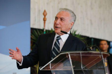 COMO É BOM TER AMIGO | Presidente do STJ suspende processo contra Temer