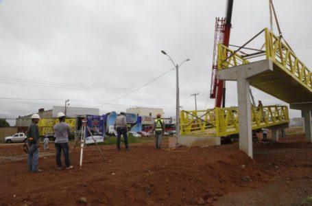 VALPARAÍSO | Cidade ganha a segunda passarela sob a gestão do prefeito Pábio Mossoró