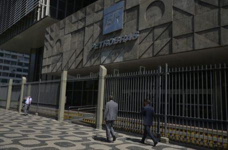 TEM QUE CAIR NAS BOMBAS | Petrobras reduz preço da gasolina e diesel nas refinarias