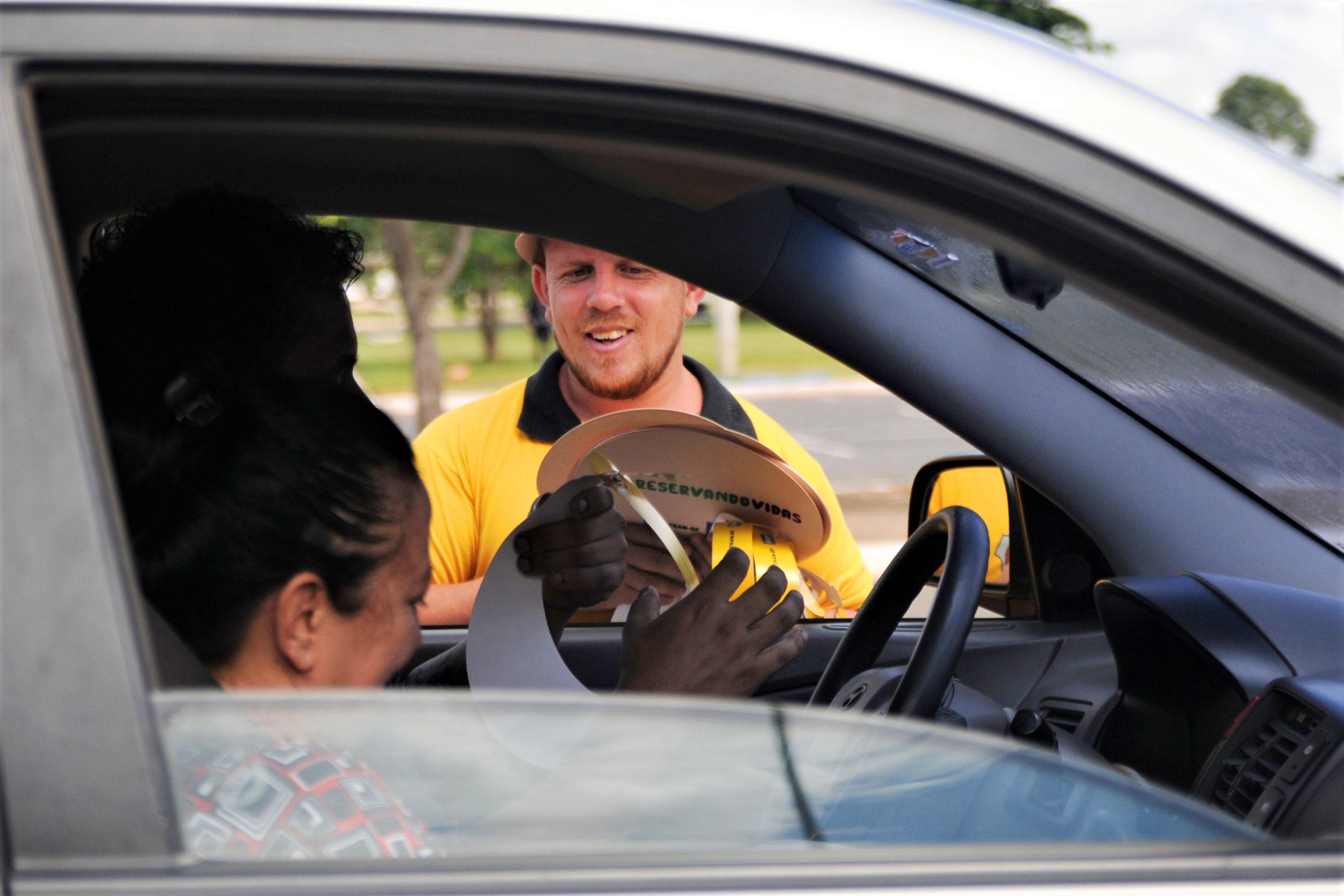 SE BEBER, NÃO DIRIJA | Detran-DF intensifica ações contra celular e álcool ao volante