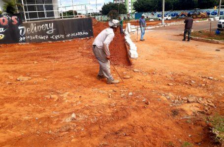 BENFEITORIAS PARA A CIDADE   Gustavo Aires solicita emendas para construir calçadas em Samambaia