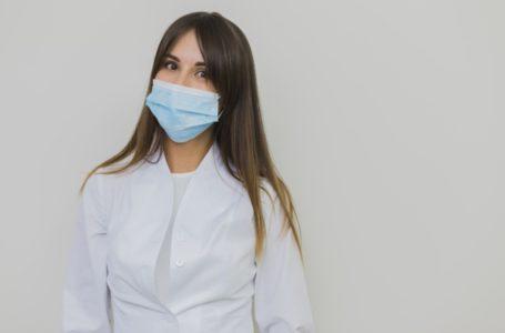 PARA PROTEGER OS PROFISSIONAIS | Fábrica Social entrega oito mil máscaras cirúrgicas para Secretaria de Saúde do DF