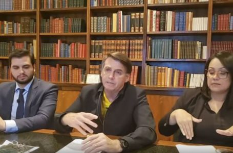 MENOS QUE R$ 600 | Bolsonaro anuncia que governo vai pagar mais duas parcelas do auxílio emergencial