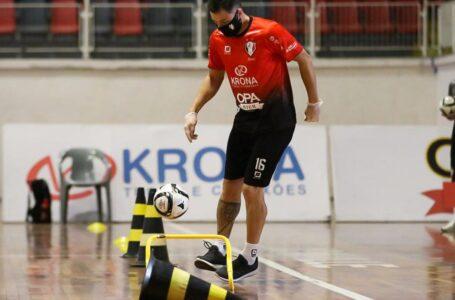 DE VOLTA AOS TREINOS   Times de futsal aguardam início da Liga Nacional