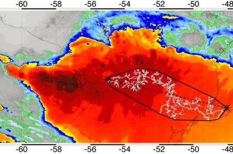 MAIOR DO MUNDO | Raio com 709 km de extensão foi registrado na região Sul do Brasil