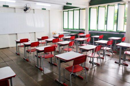 DECISÃO JUDICIAL   Juiz determina o adiamento da reabertura de escolas e outras atividades e Ibaneis avisa que vai recorrer