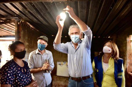 FIM DA LONGA ESPERA | Governo Caiado leva energia elétrica para dois assentamentos rurais de Formosa