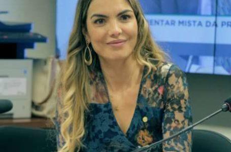 DEFENSORA DA OZONIOTERAPIA | Deputada Paula Belmonte é diagnosticada com coronavírus
