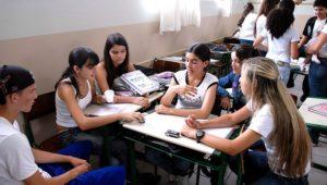 PARA COMBATER EVASÃO ESCOLAR | Governo de Goiás envia mensagens de incentivo por SMS a estudantes da rede estadual
