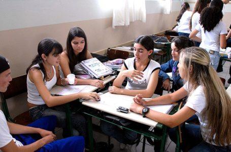 PARA COMBATER EVASÃO ESCOLAR   Governo de Goiás envia mensagens de incentivo por SMS a estudantes da rede estadual