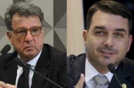 """PEGOU MAL """"01""""   Flavio Bolsonaro admite encontro com Paulo Marinho, mas nega vazamento"""