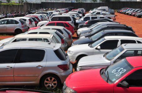 OPORTUNIDADE   Detran-DF realiza leilão de 1.760 veículos nos dias 17 e 18 deste mês