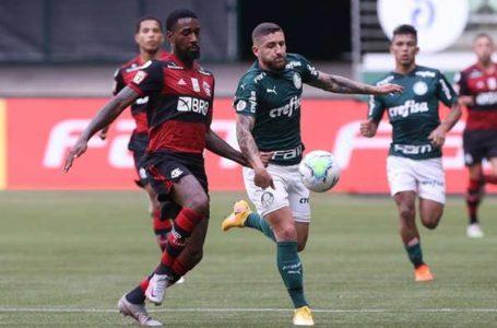 TIMES ENTRARAM EM CAMPO | Em jogo quase não realizado, Flamengo e Palmeiras empatam