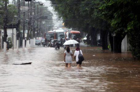 RISCO DE ALAGAMENTOS   Cidade de São Paulo em estado de atenção devido as fortes chuvas