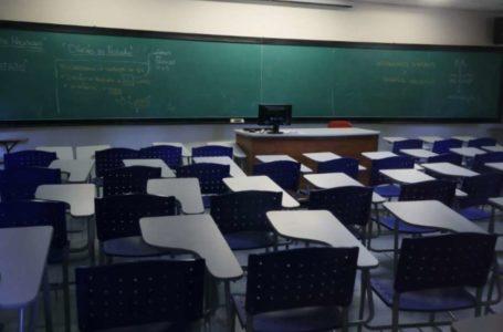 MAIS DE 400 MIL ESTUDANTES | Pandemia aumenta inadimplência nas faculdades e abandono dos estudos