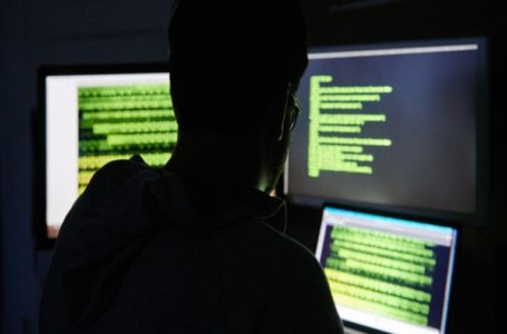 NA VÉSPERA DO 2º TURNO | PF prende hacker suspeito de invadir sistema do TSE