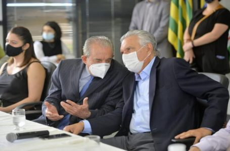DESPEDIDA DE IRIS REZENDE   Caiado vai às lagrimas durante homenagem ao político goiano