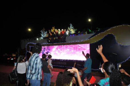 BRASÍLIA ILUMINADA | Projeto do GDF levará papai Noel e seu trenó para todas as cidades do DF