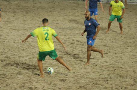 FUTEBOL DE AREIA RAIZ | Brasil e França disputam o título do Mundial neste domingo (13)