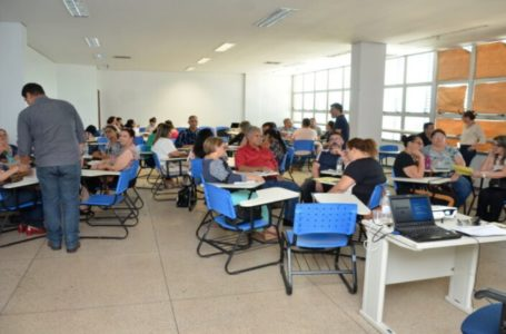 RECONHECIMENTO MERECIDO | Caiado sanciona aumento de até 64% para professores temporários da rede estadual