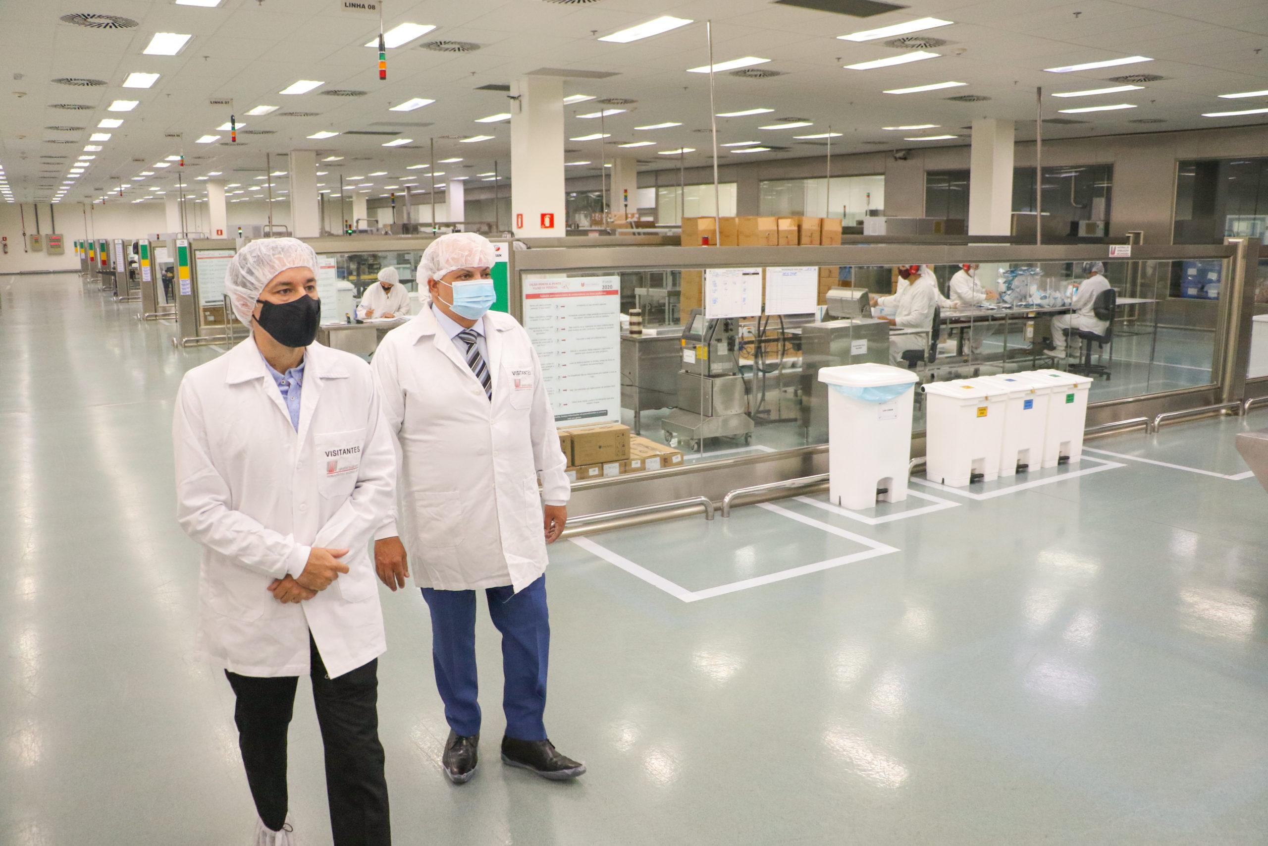 VACINA CONTRA COVID   Ibaneis visita fabrica que produz a Sputnik V no Polo JK
