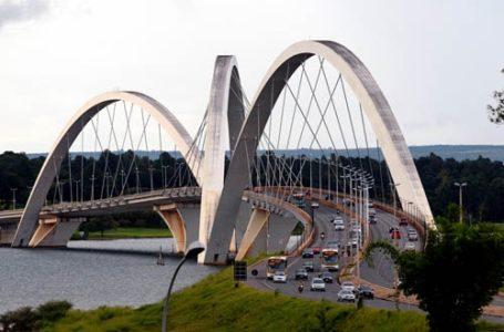 ATENÇÃO, MOTORISTAS! | Pontes JK e Costa e Silva serão interditadas parcialmente para serviços de limpeza do SLU