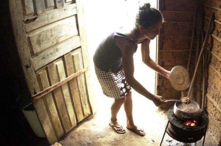 EXTREMA POBREZA AINDA CRESCE | 40 milhões de pessoas ainda vivem em condições de miséria no Brasil