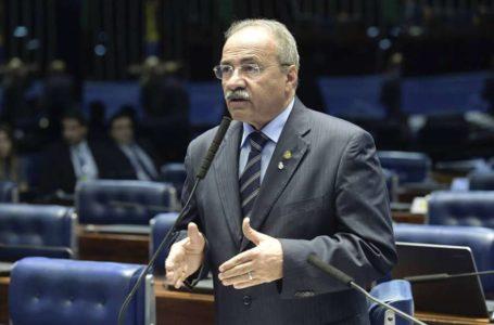 DE VOLTA AO SENADO | Chico Rodrigues reassume o mandato após ser flagrado com dinheiro na cueca