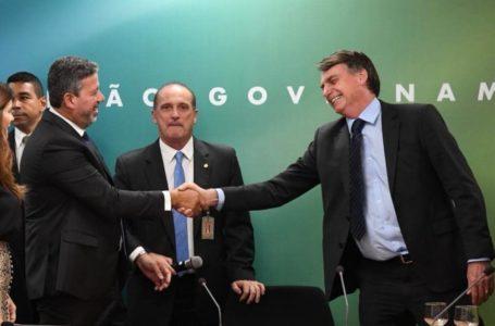 O FINO DA POLÍTICA   Mais vale um Arthur Lira na mão, do que um impeachment batendo na porta do Planalto