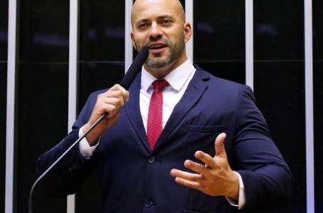 VÍDEOS CONTRA MINISTROS | Daniel Silveira, do PSL-RJ, é preso em flagrante a mando de Alexandre de Moraes