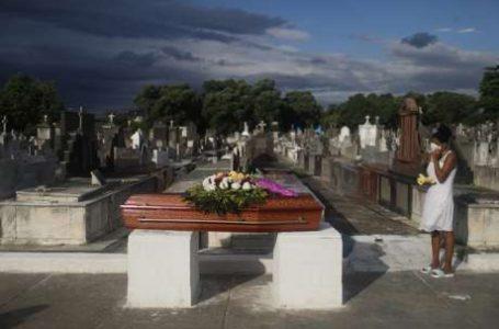 QUASE 13 MILHÕES DE ÓBITOS   Média diária de mortes por Covid-19 se mantém acima de 3 mil no Brasil