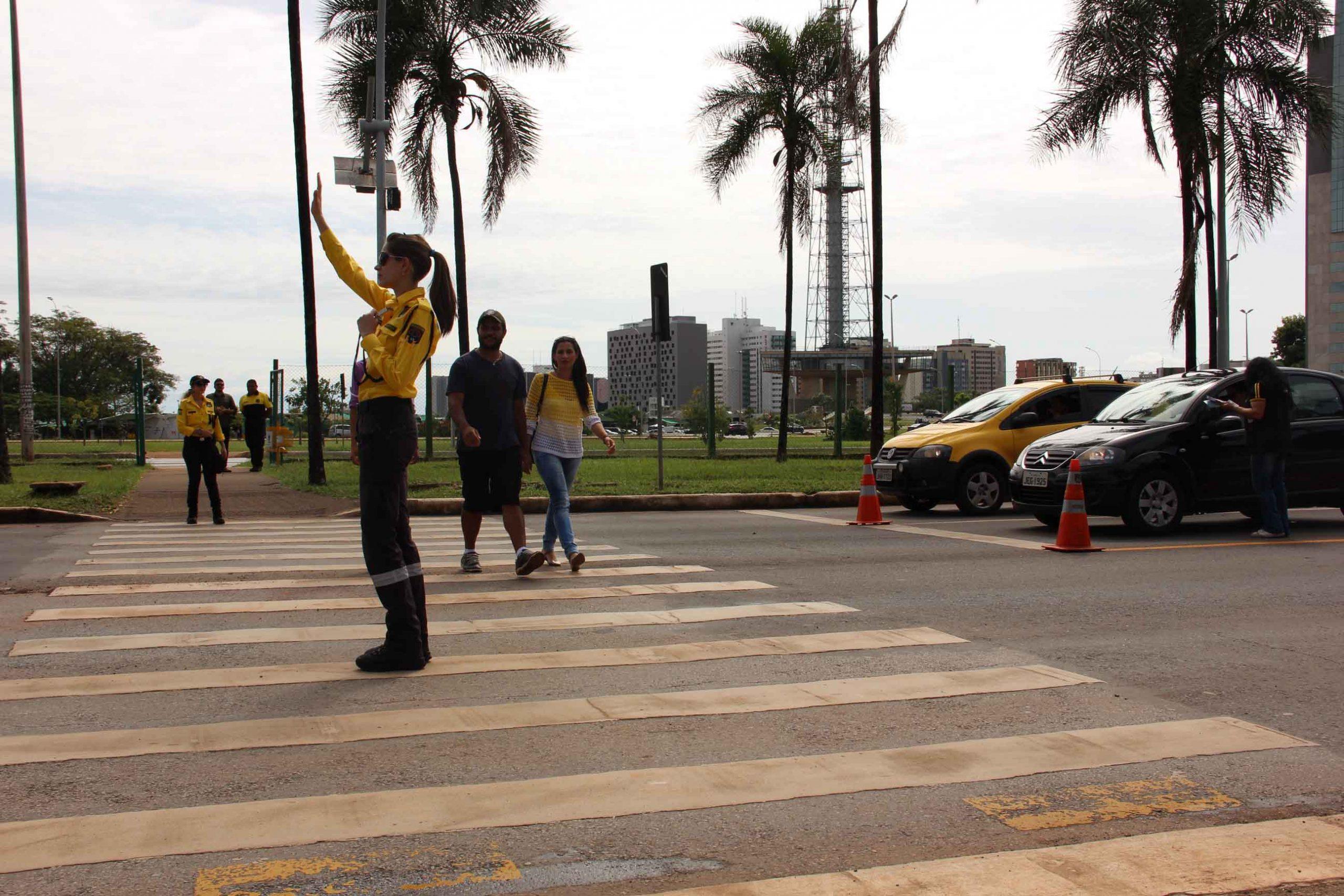 24 ANOS DE RESPEITO A FAIXA   Detran-DF celebra mudança de comportamento de pedestres e condutores