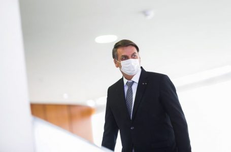 SOBRE CPI NO SENADO | Bolsonaro diz que STF interfere em outros poderes