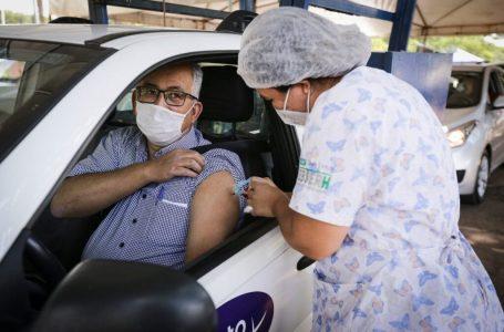 A PARTIR DE SEGUNDA (3) | DF vai ter ponto de vacinação drive-thru noturno