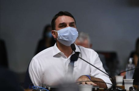 """CASO DAS RACHADINHAS"" | Gilmar Mendes libera julgamento de Flávio Bolsonaro quanto ao foro privilegiado"