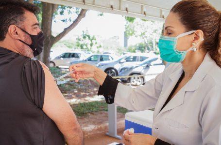 A PARTIR DO MEIO-DIA | Pessoas com comorbidades de 50 a 54 anos já podem agendar vacinação nesta quarta (12)