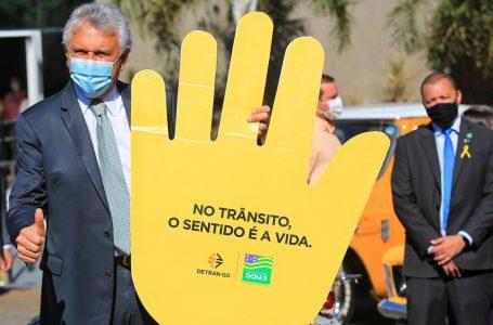 SINALIZA GOIÁS | Caiado lança programa que vai sinalizar vias das cidades começando pelo Entorno