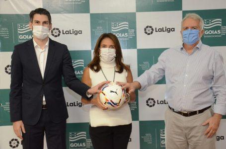 PARCERIA INÉDITA | Governo de Goiás e entidade espanhola de futebol anunciam acordo para projetos sociais no esporte