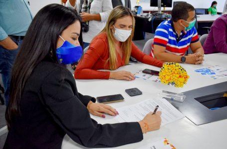 A BOLA VAI ROLAR | GDF vai construir campos sintéticos em oito cidades com o apoio de distritais