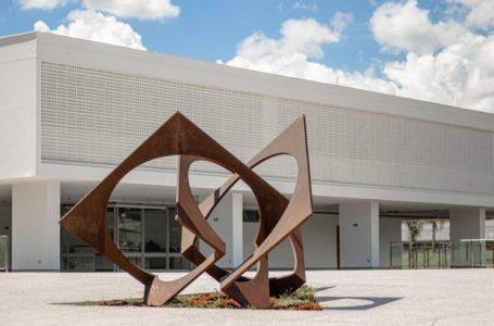 VISITAÇÃO PÚBLICA | MAB abre as portas com exposições de Tarsila do Amaral e Orlando Brito