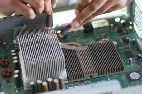 SUKATECH | Programa do governo Caiado vai reciclar lixo eletrônico e reutilizar nas escolas