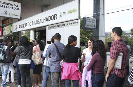 AGÊNCIAS DO TRABALHADOR   Semana começa com 200 vagas para recepcionistas e 245 de empregos de outras profissões