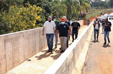 VICENTE PIRES   Ibaneis vistoria obras da UPA e construção de ponte na Av. Misericórdia