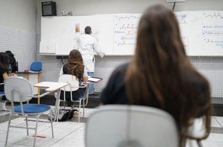 DEVIDO À PANDEMIA | Cresce o número de alunos que pensaram em parar de estudar
