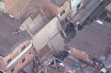 TRÁGEDIA NO RIO | Prédio de quatro andares desaba e deixa feridos em Rio das Pedras