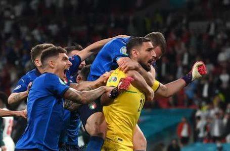 NOS PÊNALTIS   Itália bate a Inglaterra e se torna campeã da Eurocopa 2021