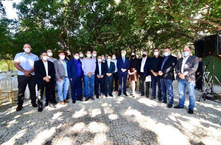 COMPROMISSO COM O ENTORNO | Caiado se reúne com 17 prefeitos da região e definem ações conjuntas para melhorar a qualidade de vida