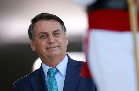 POLÊMICA COM O MINISTRO   Bolsonaro acusa Barroso de querer eleições manipuladas e trabalhar contra o voto impresso
