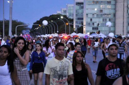 POPULAÇÃO EM CRESCIMENTO | Brasil ultrapassa a marca de 213 milhões de habitantes