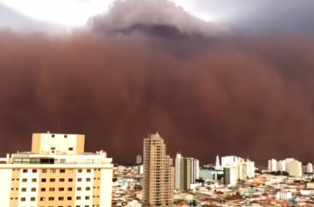 SUSTO NO INTERIOR | Cidades de São Paulo e Minas Gerais são atingidas com tempestade de areia que transformou o dia em noite